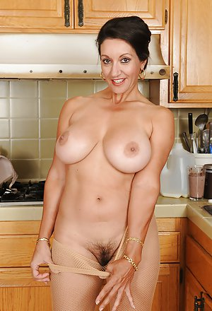 Housewife Pictures